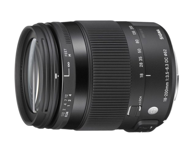 Sigma 18-200mm f/3,5-6,3 DC Macro HSM Contemporary Pentax
