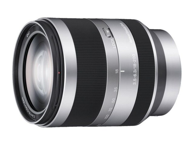 Sony E 18-200mm f/3,5-6,3 OSS
